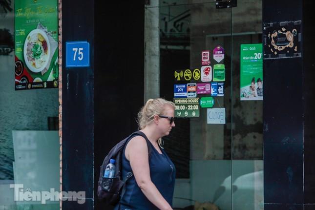 Sau TPHCM, chuỗi cửa hàng Món Huế ở Hà Nội cũng đóng cửa hàng loạt ảnh 9