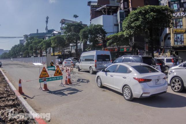 Dựng rào chắn thi công đường đua F1 ảnh 2