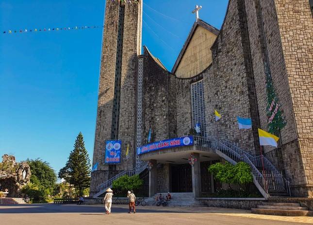 Toàn cảnh hai nhà thờ lớn ở Huế trong dịp Giáng sinh ảnh 10
