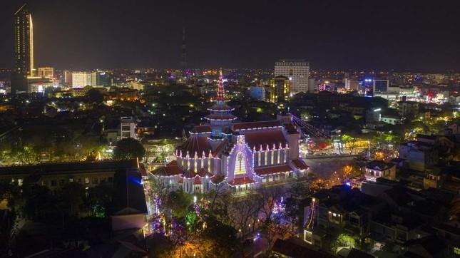 Toàn cảnh hai nhà thờ lớn ở Huế trong dịp Giáng sinh ảnh 16