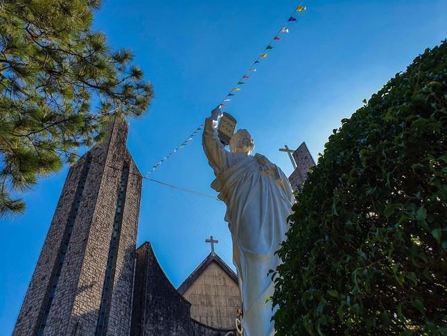 Toàn cảnh hai nhà thờ lớn ở Huế trong dịp Giáng sinh ảnh 3