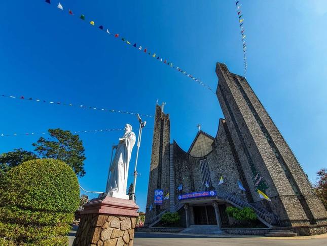 Toàn cảnh hai nhà thờ lớn ở Huế trong dịp Giáng sinh ảnh 6