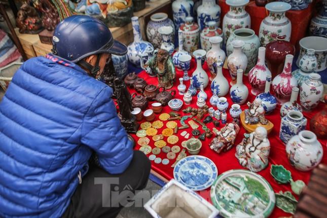 'Thời ông bà anh' ở phiên chợ Tết kỳ lạ đất Hà Thành ảnh 13