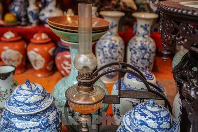 'Thời ông bà anh' ở phiên chợ Tết kỳ lạ đất Hà Thành ảnh 5