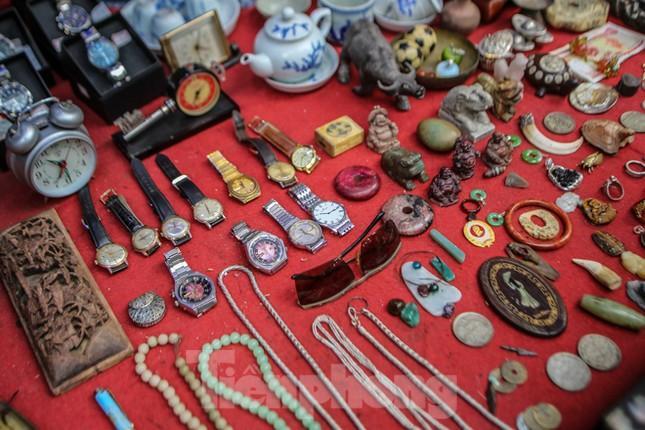 'Thời ông bà anh' ở phiên chợ Tết kỳ lạ đất Hà Thành ảnh 8