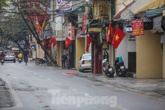 Sáng mùng 1 Tết bình yên ở Hà Nội ảnh 10