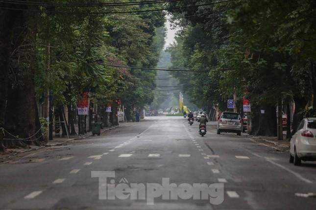 Sáng mùng 1 Tết bình yên ở Hà Nội ảnh 9