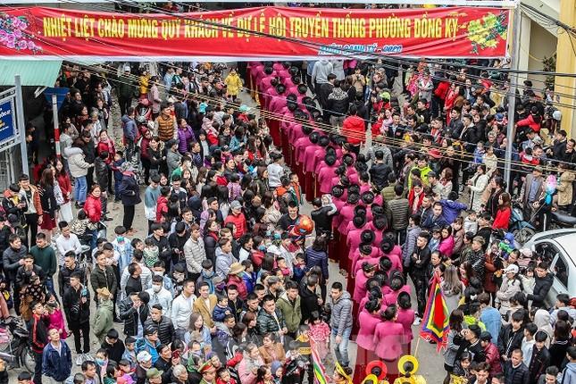 Cả trăm trai tráng Đồng Kỵ khoe sức mạnh, rước 2 'đại pháo' dài 6m ảnh 10