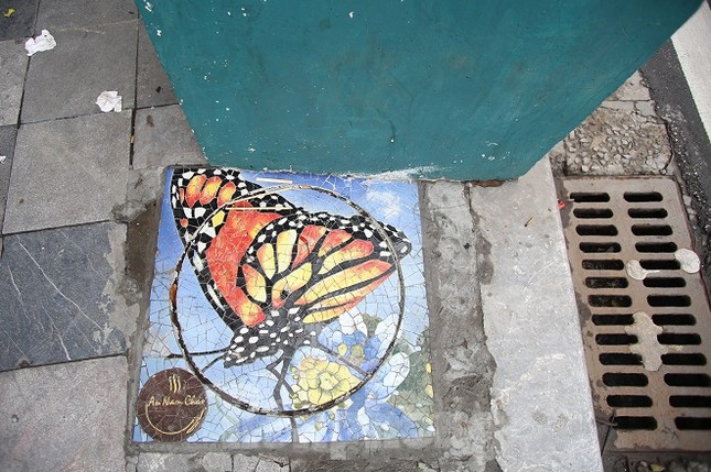 Bức tranh nghệ thuật trên nắp cống, hố ga ở Hà Nội ảnh 11