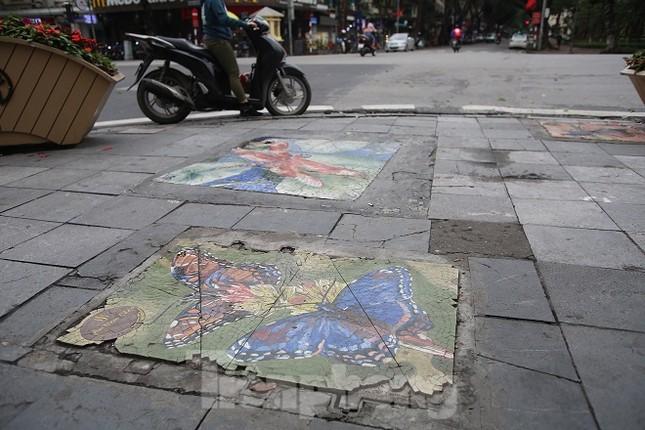 Bức tranh nghệ thuật trên nắp cống, hố ga ở Hà Nội ảnh 6