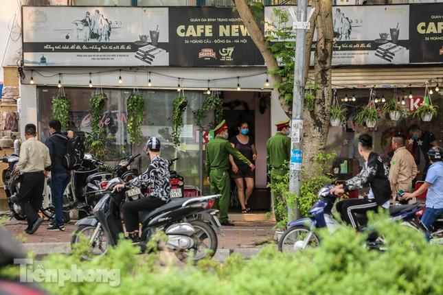 Hàng loạt quán cà phê đất 'vàng' Hà Nội tạm thời đóng cửa ảnh 11