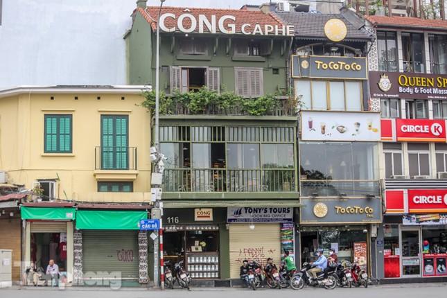 Hàng loạt quán cà phê đất 'vàng' Hà Nội tạm thời đóng cửa ảnh 3