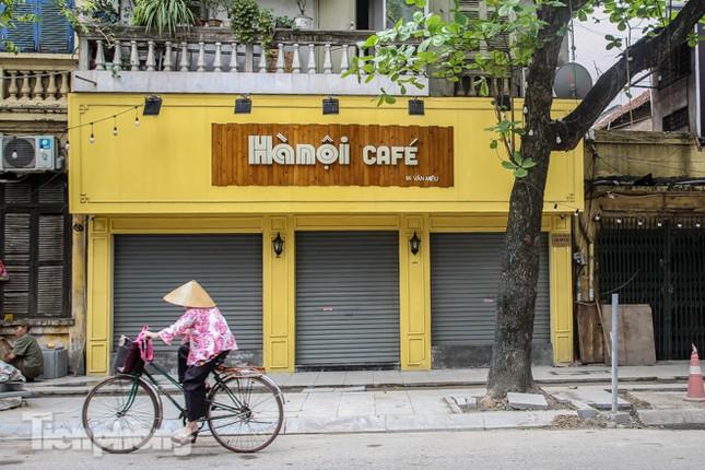 Hàng loạt quán cà phê đất 'vàng' Hà Nội tạm thời đóng cửa ảnh 5