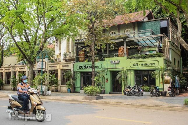 Hàng loạt quán cà phê đất 'vàng' Hà Nội tạm thời đóng cửa ảnh 6