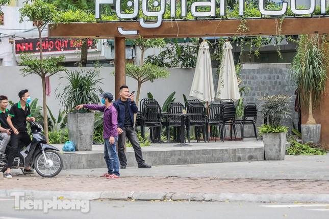 Hàng loạt quán cà phê đất 'vàng' Hà Nội tạm thời đóng cửa ảnh 8