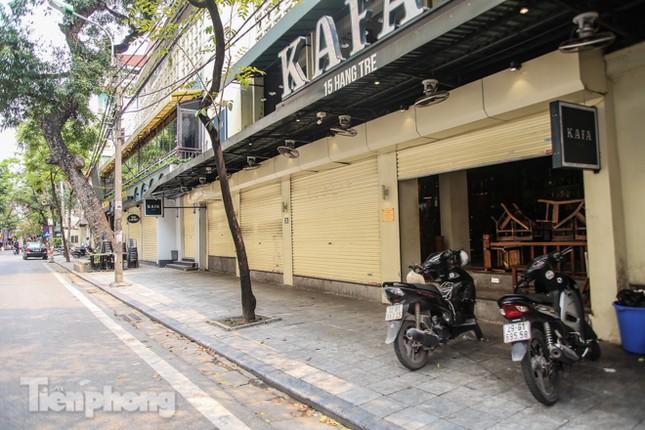 Hàng loạt quán cà phê đất 'vàng' Hà Nội tạm thời đóng cửa ảnh 9