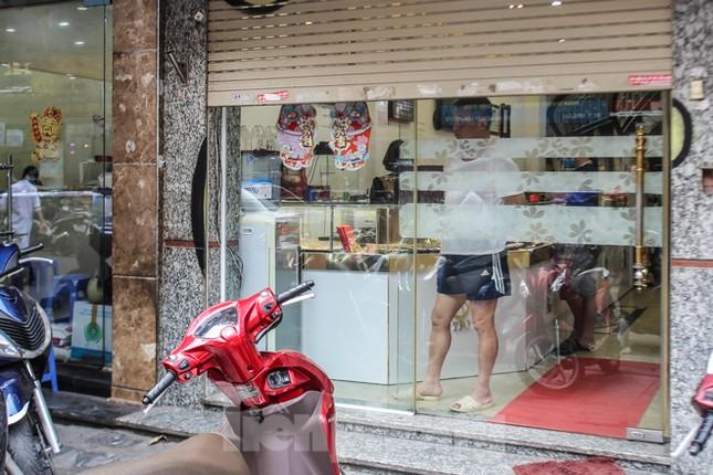 Sau cà phê, nhà hàng... phố nghề kim hoàn dọn quầy, đóng cửa tránh COVID-19 ảnh 8
