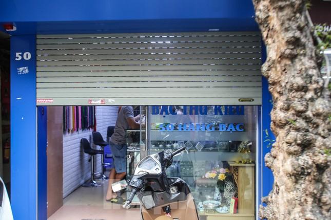 Sau cà phê, nhà hàng... phố nghề kim hoàn dọn quầy, đóng cửa tránh COVID-19 ảnh 12