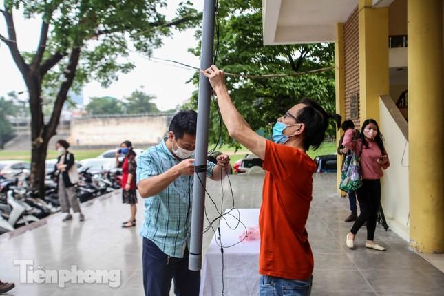 Cây 'ATM gạo' miễn phí cho người nghèo đầu tiên tại Hà Nội ảnh 4