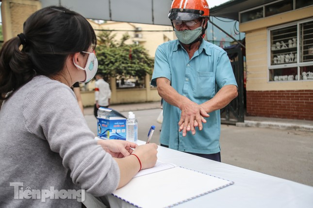 Cây 'ATM gạo' miễn phí cho người nghèo đầu tiên tại Hà Nội ảnh 5