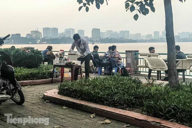 'Ngập' hàng quán vỉa hè xung quanh hồ Tây bất chấp lệnh cấm ảnh 8