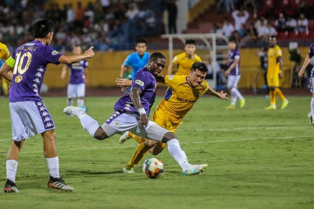 Nén đau vào sân, Quang Hải không 'giải cứu' được Hà Nội FC ảnh 11