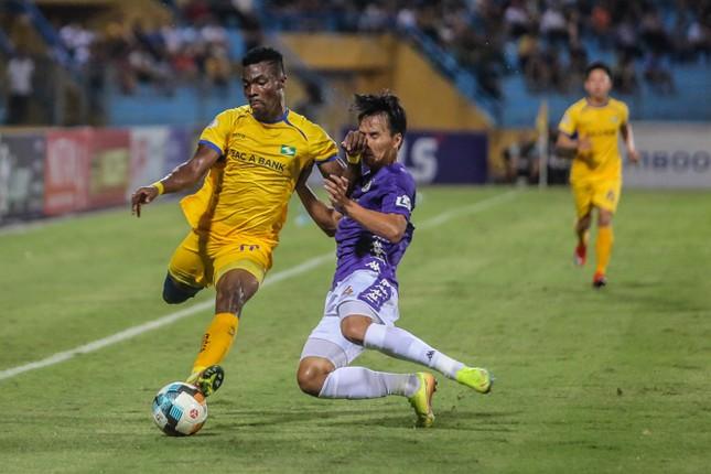 Nén đau vào sân, Quang Hải không 'giải cứu' được Hà Nội FC ảnh 13