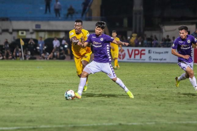 Nén đau vào sân, Quang Hải không 'giải cứu' được Hà Nội FC ảnh 14