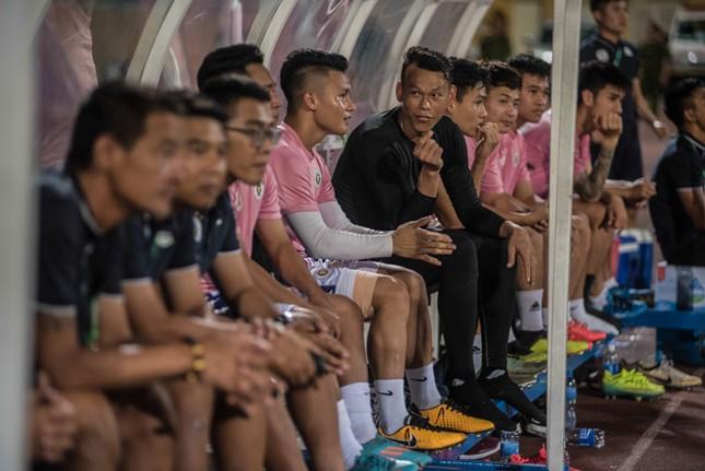 Nén đau vào sân, Quang Hải không 'giải cứu' được Hà Nội FC ảnh 1