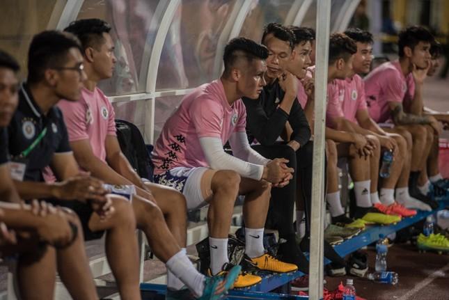 Nén đau vào sân, Quang Hải không 'giải cứu' được Hà Nội FC ảnh 2
