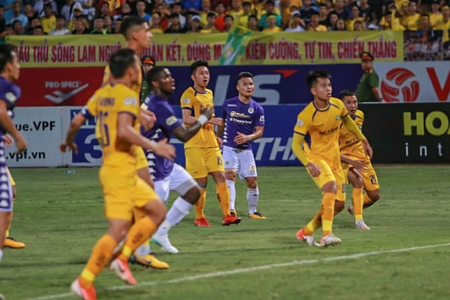 Nén đau vào sân, Quang Hải không 'giải cứu' được Hà Nội FC ảnh 4