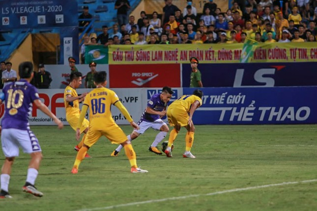 Nén đau vào sân, Quang Hải không 'giải cứu' được Hà Nội FC ảnh 5