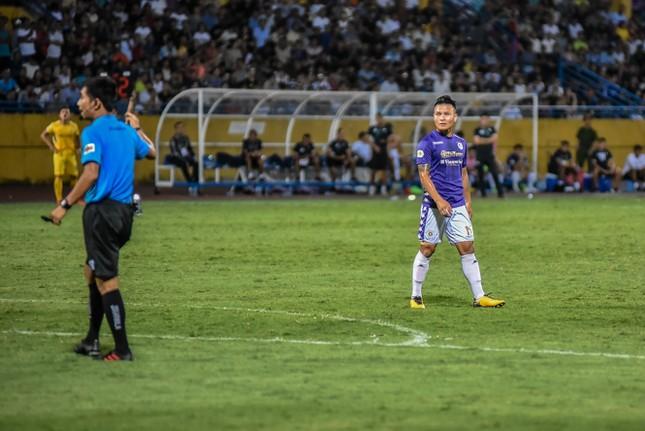 Nén đau vào sân, Quang Hải không 'giải cứu' được Hà Nội FC ảnh 6