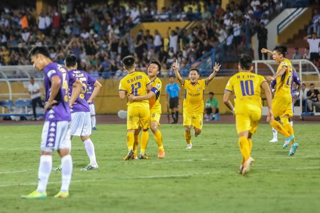 Nén đau vào sân, Quang Hải không 'giải cứu' được Hà Nội FC ảnh 8