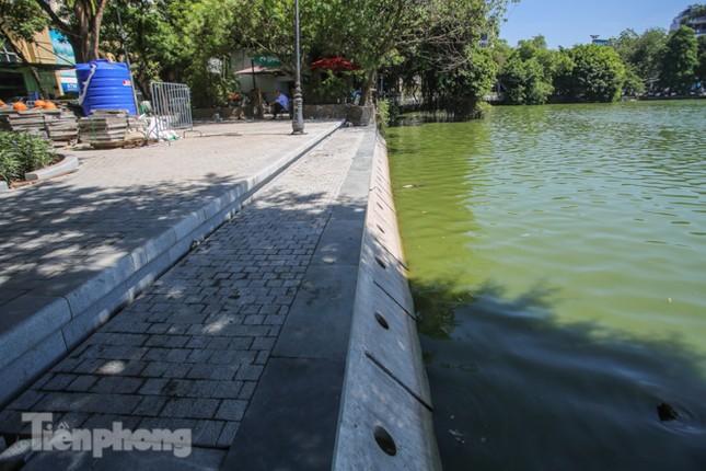 Diện mạo Hồ Gươm ra sao sau khi kè bê tông trường tồn, lát đá hoa cương? ảnh 3
