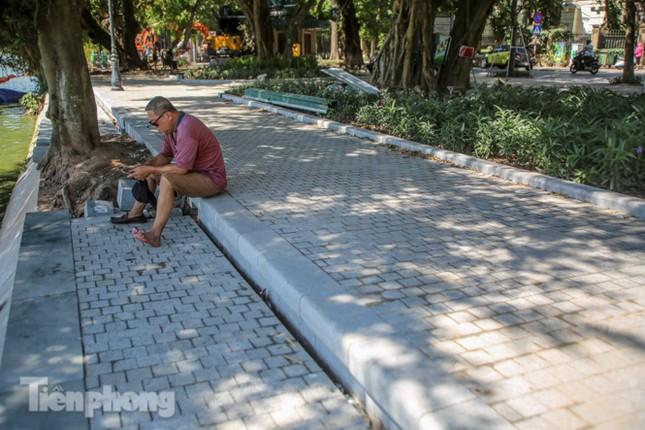 Diện mạo Hồ Gươm ra sao sau khi kè bê tông trường tồn, lát đá hoa cương? ảnh 8