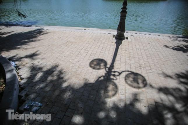 Diện mạo Hồ Gươm ra sao sau khi kè bê tông trường tồn, lát đá hoa cương? ảnh 11