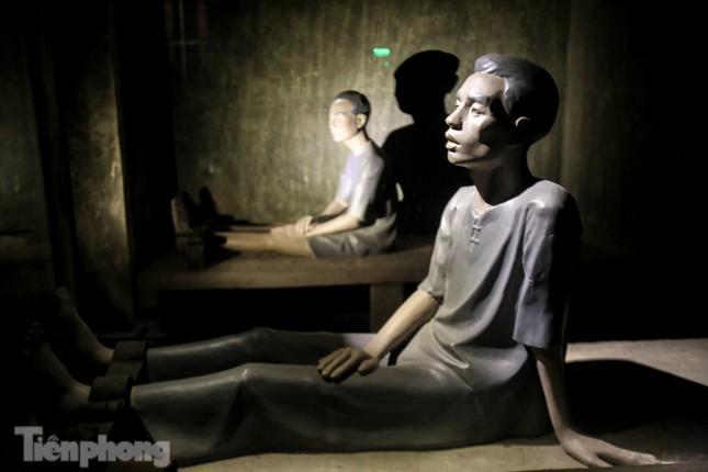 Trải nghiệm đêm tại Di tích Nhà tù Hỏa Lò ảnh 11