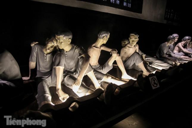 Trải nghiệm đêm tại Di tích Nhà tù Hỏa Lò ảnh 4