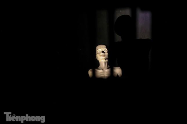 Trải nghiệm đêm tại Di tích Nhà tù Hỏa Lò ảnh 5