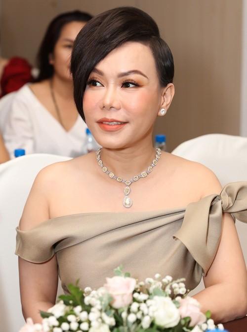 Việt Hương: 'Gia tài đủ ăn cả đời' là phát ngôn lúc bức xúc của tôi ảnh 1
