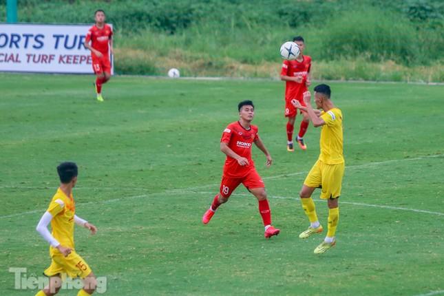 Lấy điểm với thầy Park, U22 Việt Nam đấu tập mà như đánh trận ảnh 16