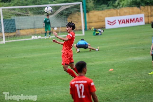 Lấy điểm với thầy Park, U22 Việt Nam đấu tập mà như đánh trận ảnh 2
