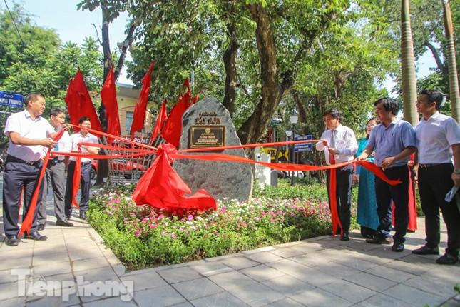 Gắn biển công trình tiểu học, vườn hoa hiện đại bậc nhất Thủ đô ảnh 8