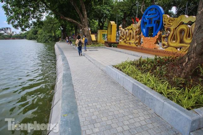 Bí thư Thành ủy Hà Nội gắn biển công trình cải tạo, chỉnh trang hồ Hoàn Kiếm ảnh 12
