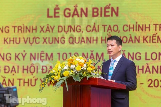 Bí thư Thành ủy Hà Nội gắn biển công trình cải tạo, chỉnh trang hồ Hoàn Kiếm ảnh 4