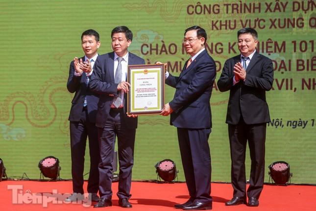 Bí thư Thành ủy Hà Nội gắn biển công trình cải tạo, chỉnh trang hồ Hoàn Kiếm ảnh 5