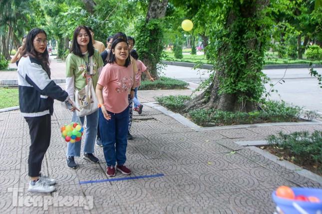 Trẻ khuyết tật chạy thi marathon cùng hàng trăm thanh niên thủ đô ảnh 10
