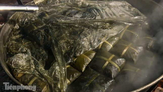 Nhiều nơi ở Hà Nội gửi hàng vạn bánh chưng ủng hộ miền Trung ảnh 10