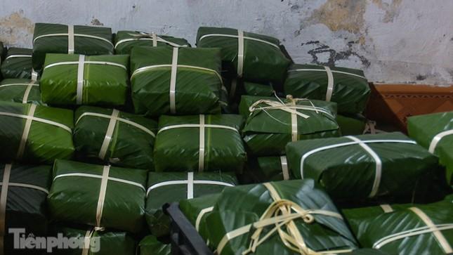 Nhiều nơi ở Hà Nội gửi hàng vạn bánh chưng ủng hộ miền Trung ảnh 11